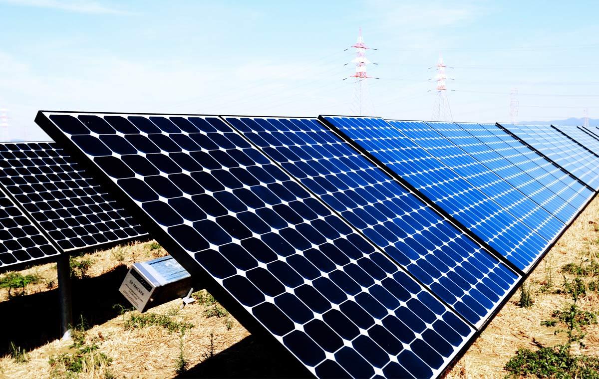 Fixations-sol-panneau-solaire
